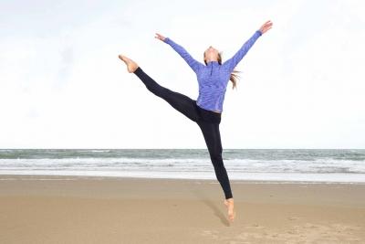 dancer-on-beach